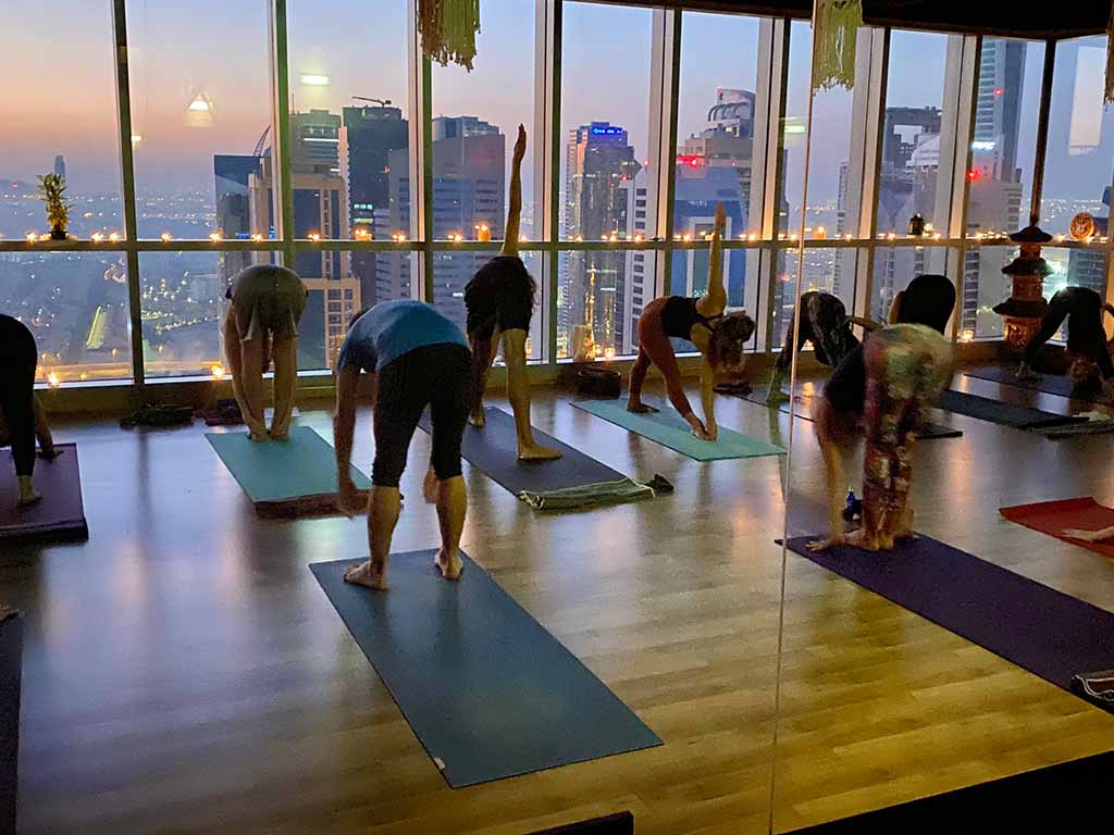 dubai-best-yoga-training-teacher-training-karma-yoga-academy-02